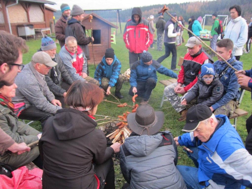 RUNOKR - Podzimní putování do Starého Telečkova a okolo nových rybníků 18.11.2017 14